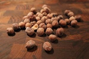 De saltrostade hasselnötterna är färdiga