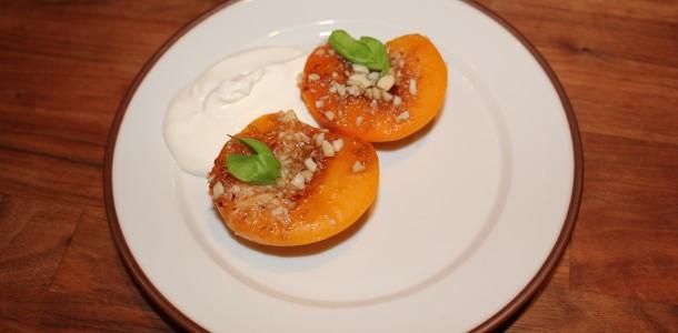 Bakade persikor
